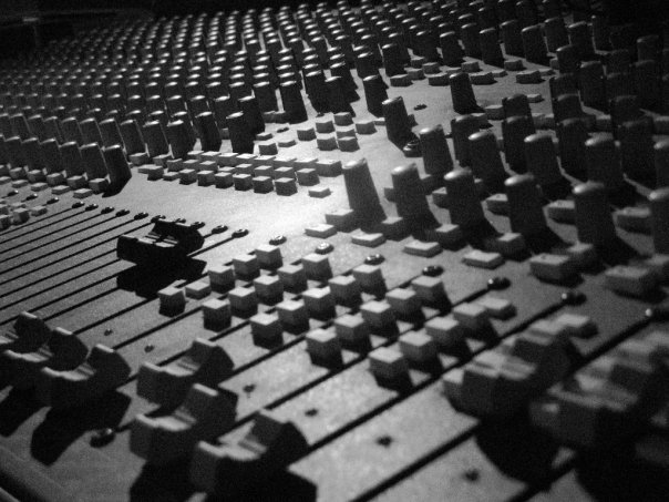 Soundtracs Topaz Project 8 analogue desk
